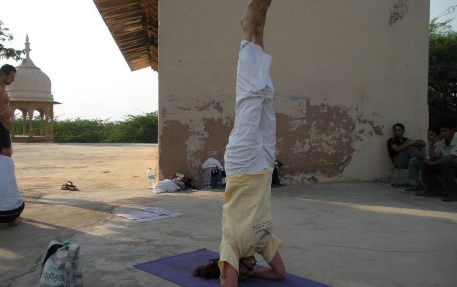 postura invertida de hatha