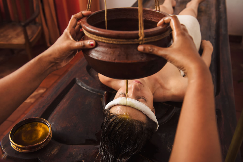 terapia shirodhara
