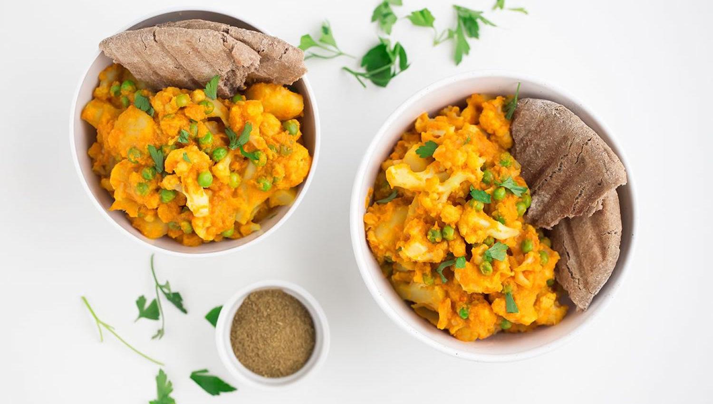 guiso de coliflor, patata y guisantes
