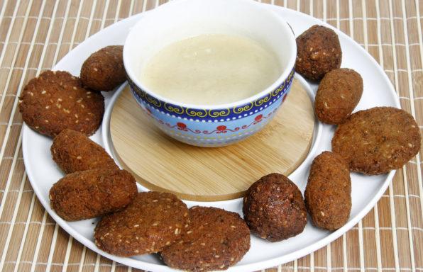 falafel con salsa tahini