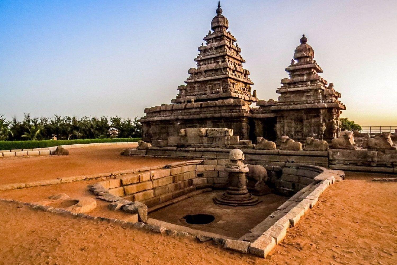 templo de piedra hindú