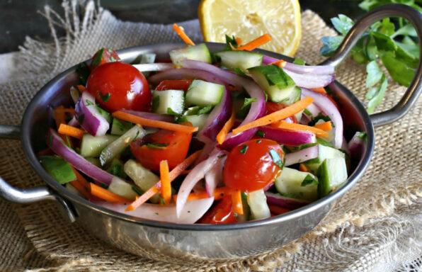 kachumber de tomate y pepino