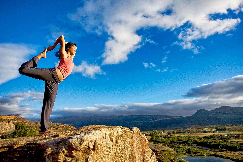 los yamas en el yoga