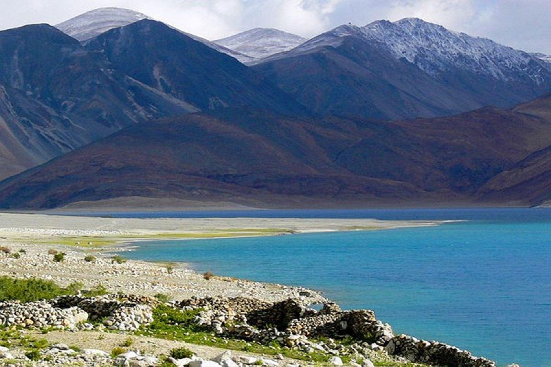 lago en la región de Ladakh